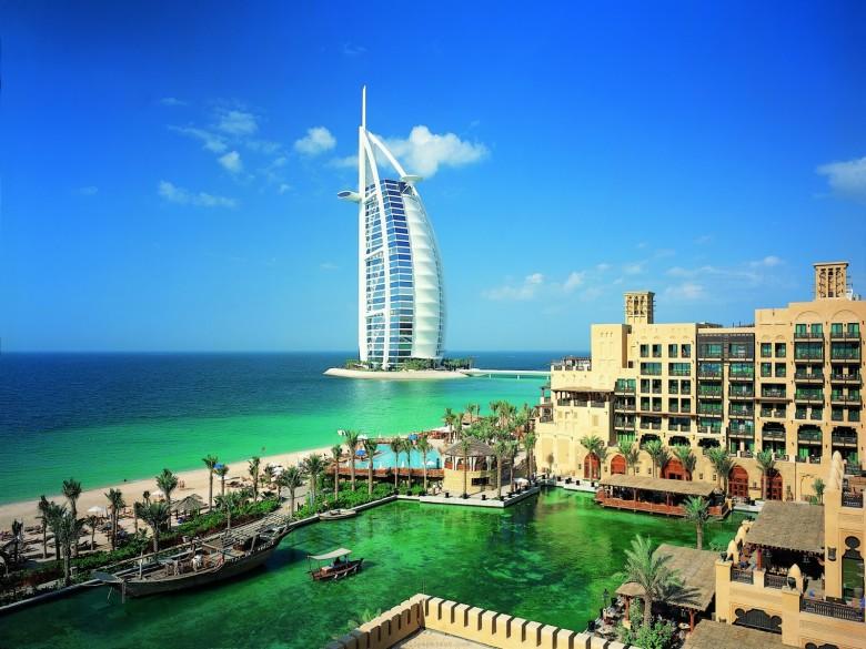 Qantas and Emirates promote Dubai as food destination