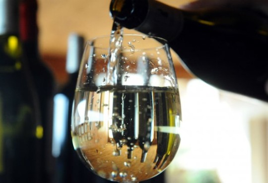 US overtakes France as world's top wine consumer