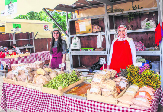 Earth markets bring organic food to your table