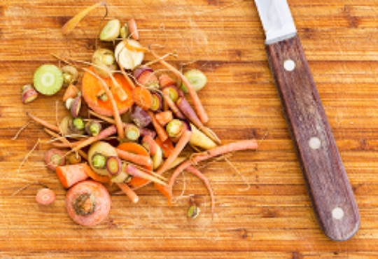 5 ways wasting food hurts the environment (and 5 ways you can fix it)