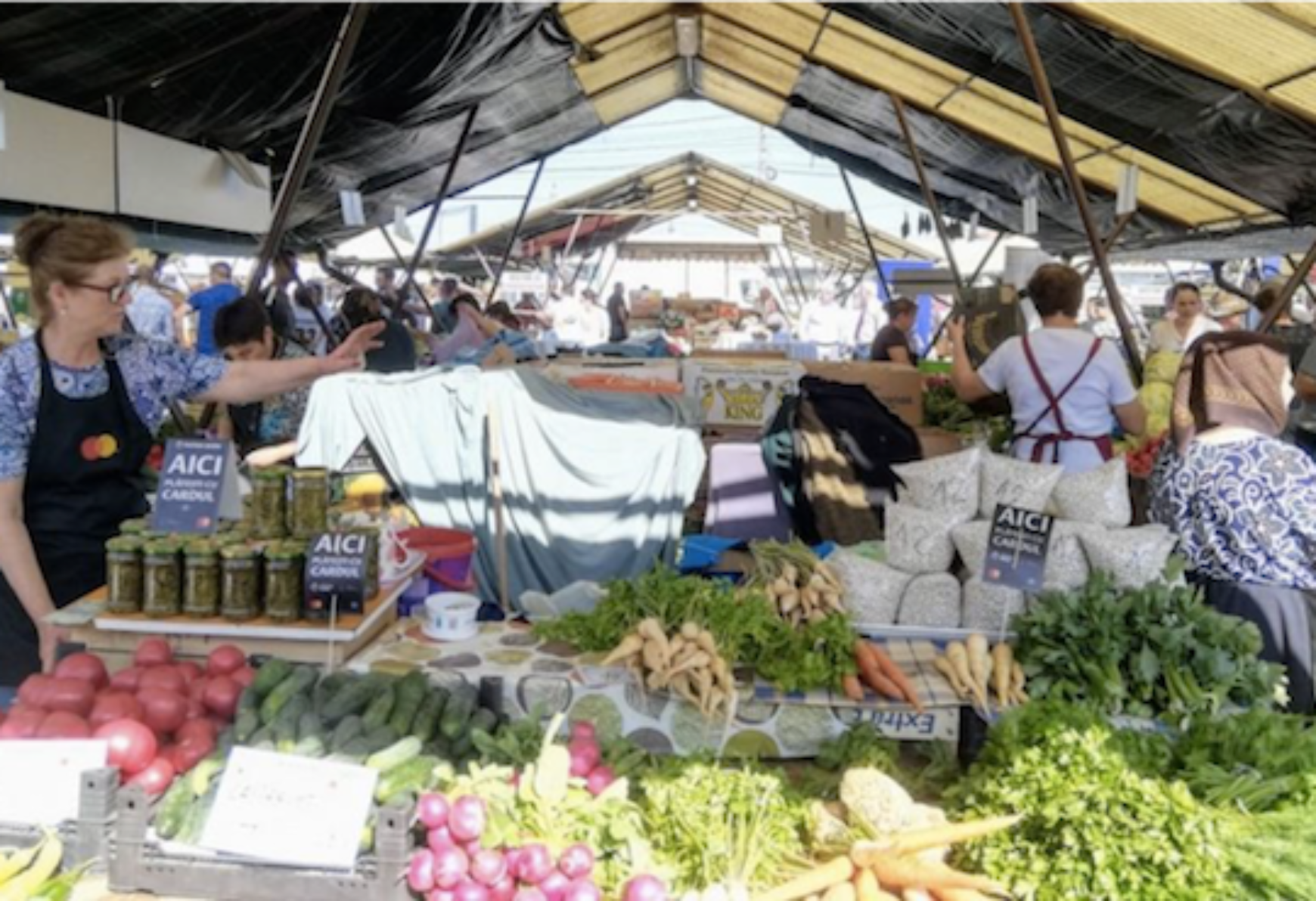 Local market accepts credit cards in Sibiu